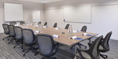 Classroom-Boardroom-2